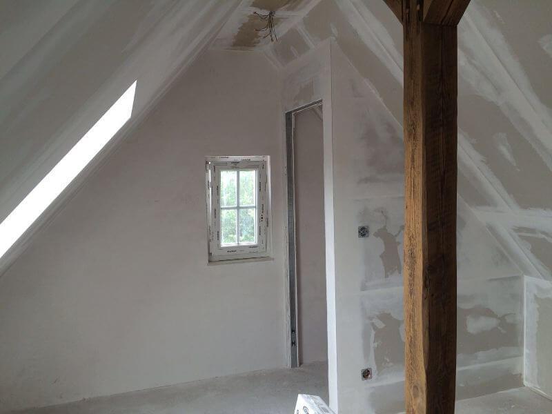 Breitzke Referenzen Trockenausbau Dachgeschoss Gladbeck Tür